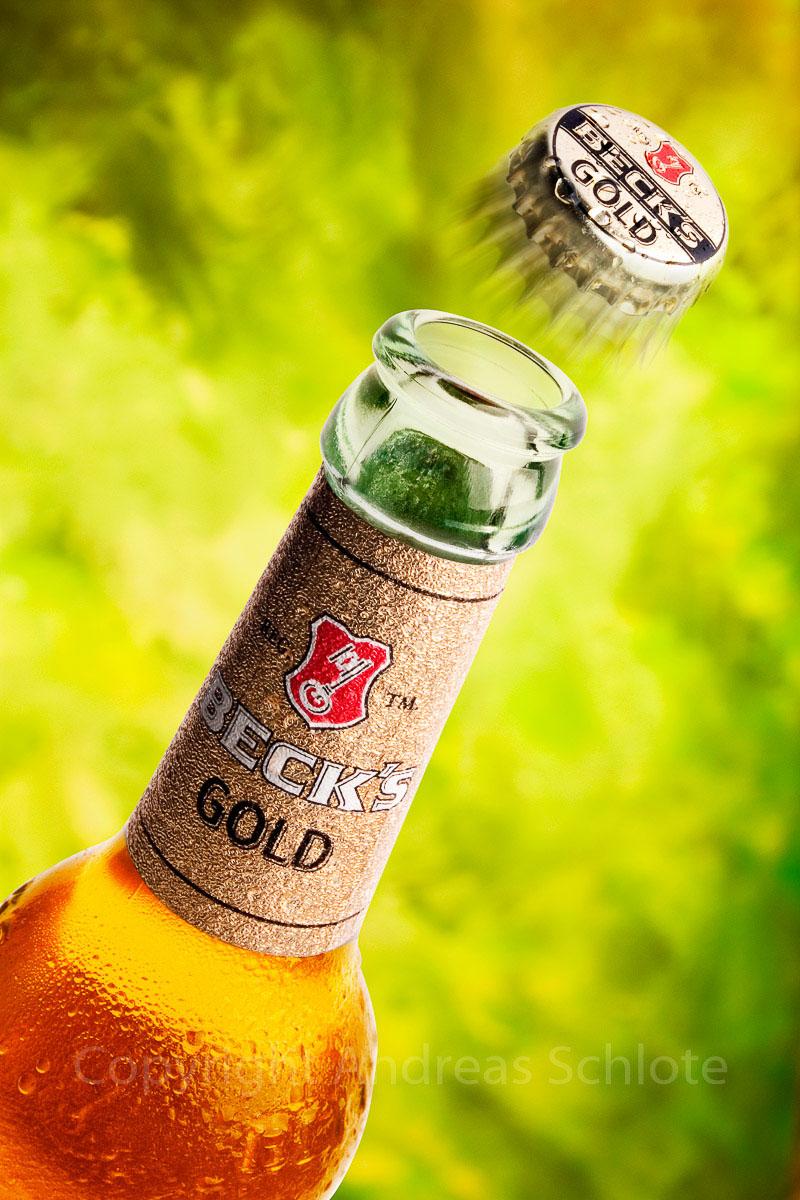aufgehende bierflasche