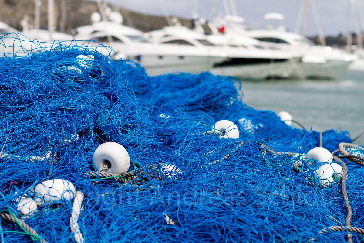 Hafen mit Fischernetz